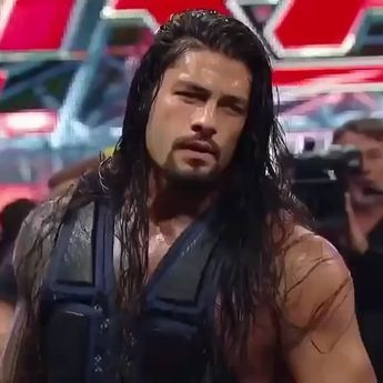 Roman Reigns. . . . . . #wwe #romanreigns #sethrollins #prowrestling #raw #like4like