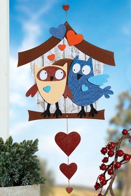 Die zwei verliebten Eulen basteln Sie mit unserer Vorlage ganz leicht. Hier gibt es Anleitung und Bastelbogen gratis zum Download. Liegt das Papier schon bereit? © OZ-Verlags-GmbH 2015
