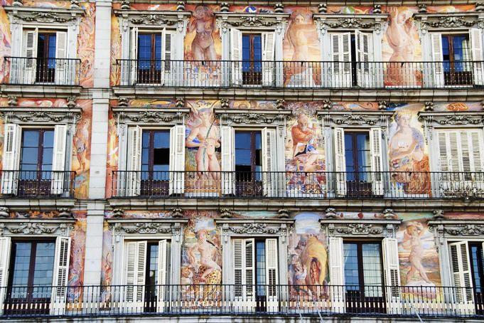 Frescoes on facade of Real Casa de la Panaderia (Royal Bakery) on Plaza Mayor.
