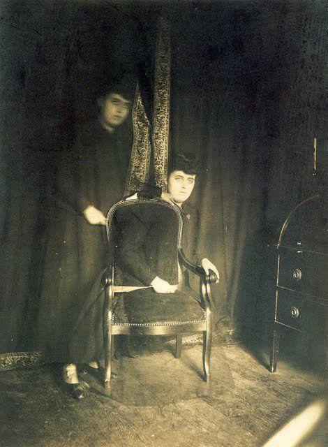 les 41 meilleures images propos de spiritisme fant mes sur pinterest portrait victorien et. Black Bedroom Furniture Sets. Home Design Ideas