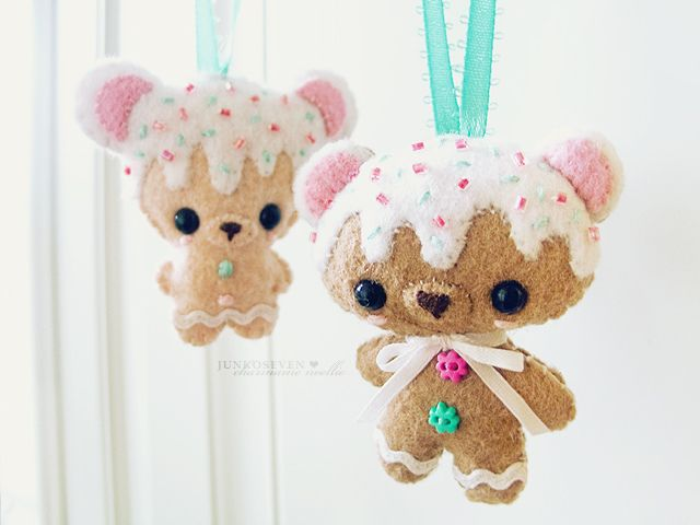 Cookie Bear Door Hangers by junkoseven, via Flickr. TOO cute for words :)