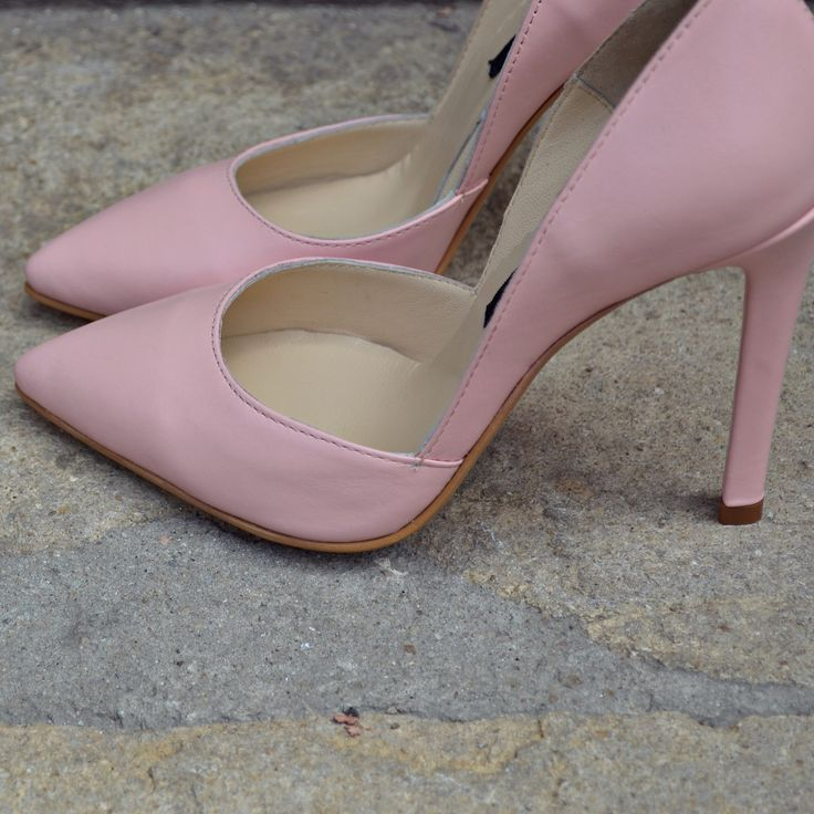 #the5thelementshoes #rosettishowroom #springsummer #pumps #stiletto #highheels #rosequartz