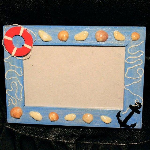 фоторамка; материалы: акриловая краска, картон, нить, пенопласт, морские аркушки, лак. #photoframe #frame #handmade #shell #sea #seashell #interior #фоторамка #рамка #фото #ракушки #море #хендмейд #интерьер #декор