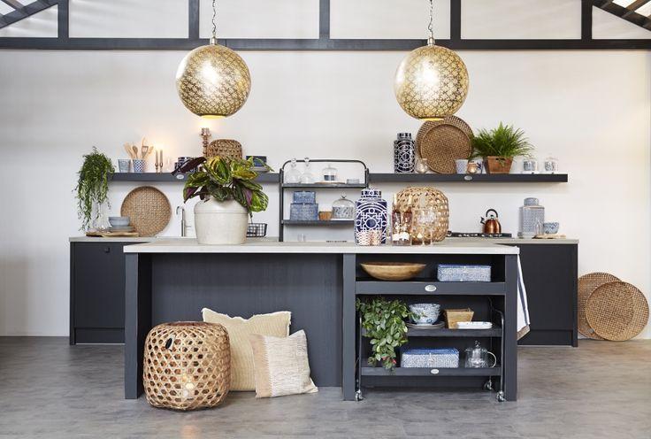 Ikea Keuken Zithoek : Zwarte keuken van hout – Riverdale Vintage keuken