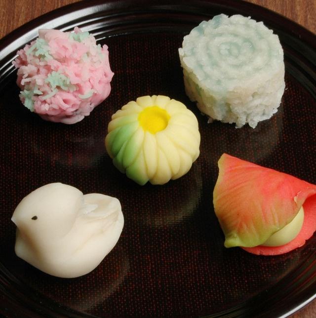 Japanese dessert: Japanesse Sweets, Cake, Wagashi Japanese Sweets, Sweets Wagashi, Green Tea, Japanese Wagashi, Japanese Confectionery, Japanese Desserts