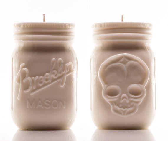 Candela di Aromatherapy Mason Jar cranio di ShopMadBrooklyn