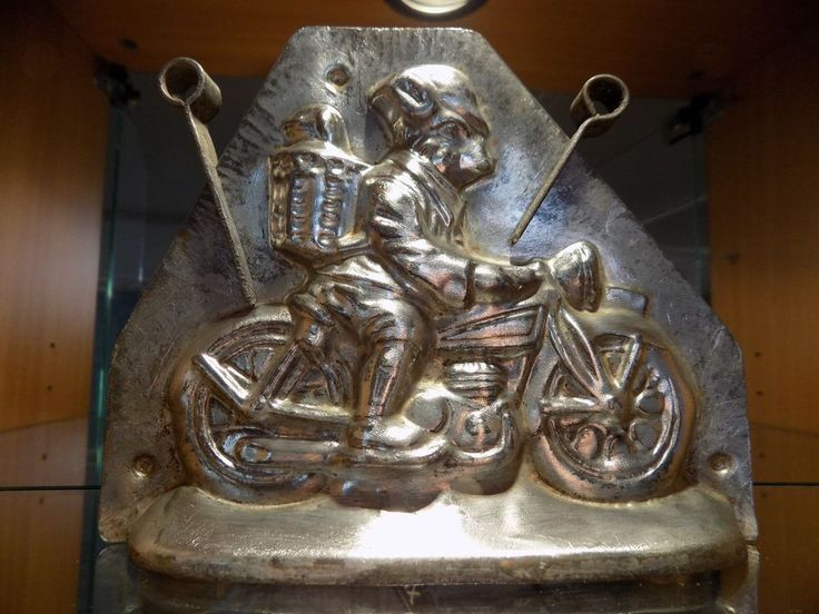 * CHOCOLATE MOLD MOULD DUTCH BUNNY  RIDES MOTORCYCLE HERIS VINTAGE ANTIQUE