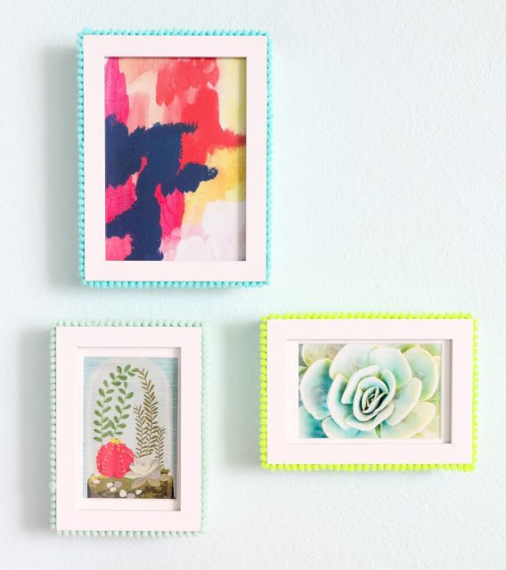 A Kailo Chic Life: Craft It - Pom Pom Picture Frames
