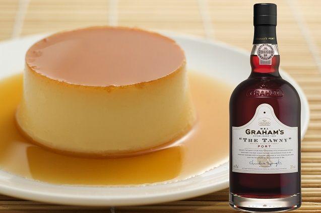Crème Caramel, een heerlijk Frans dessert op basis van room. En dan in combinatie met The Tawny Port van Graham's. Probeer daar maar eens af te blijven. De aroma's van geroosterde amandelen, sinaasappel en kaneel van de Port en de rijke Tawny smaak met een lange afdronk passen perfect bij de Crème Caramel. http://www.flesjewijn.com/blog/creme+caramel