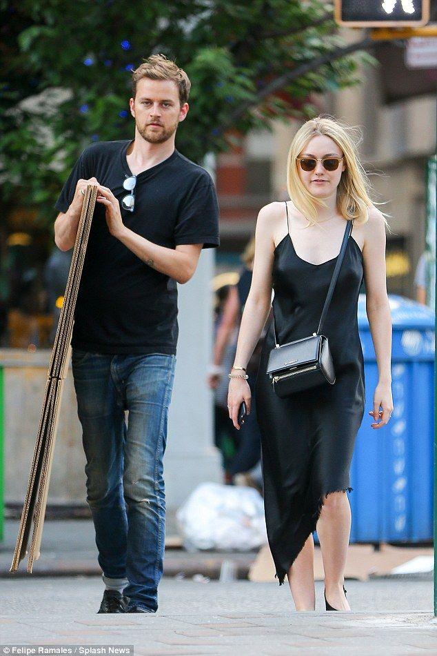 Dakota Fanning Holds Hands With New Boyfriend Henry Frye