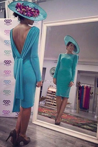 """Espectacular Irene con vestido de @colournudeofficial y pamela de <a href=""""/tag/CapriccioTocados"""">#CapriccioTocados</a>"""