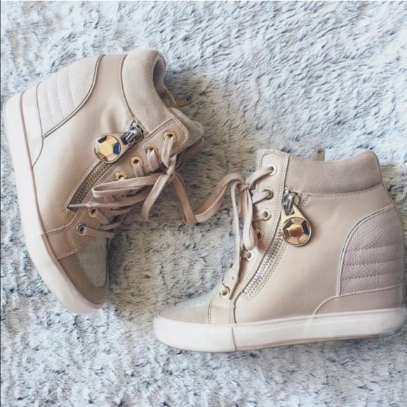 Aldo sneaker wedge blush tones Worn a couple times but comes with box! Some scuffing as shown but can easily be cleaned with the proper materials. ALDO Shoes Wedges