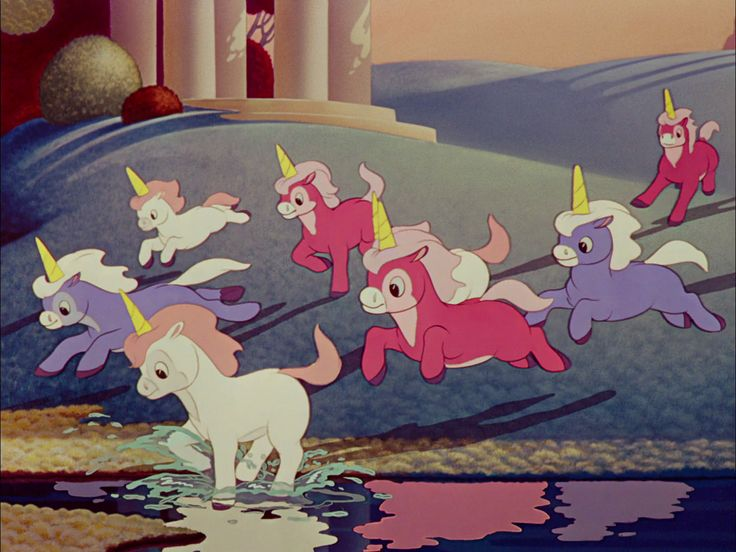 During the film's production, Walt Disney did not give the animators any instructions for coloring. This was the first time in history that he instructed the crew to use any colors that they wanted.