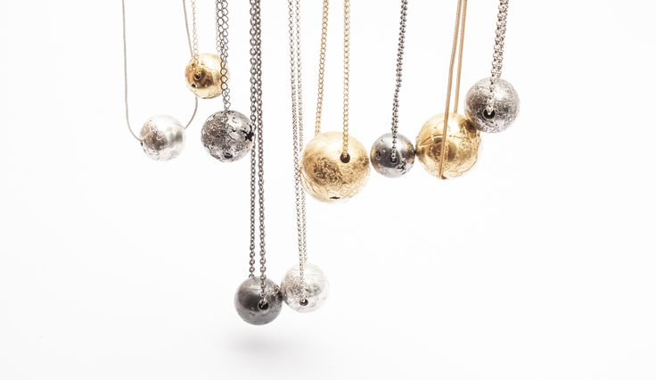 Lia Gonçalves | Joalharia de Autor _ necklaces _ corpos celestes collection _ silver