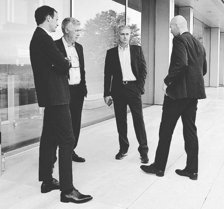 (l-r) Max Allegri, Carlo Ancelotti, Jose Mourinho and Zinedine Zidane talk…