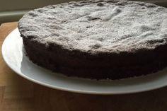 Μαλακό και ζουμερό κέικ σοκολάτας
