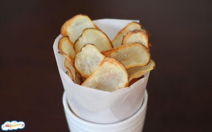 Homemade Oven Baked Potato Chips via MOMables ~ So Easy!!