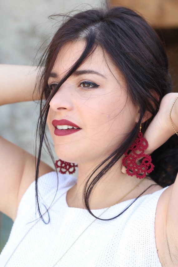 Tatted lace red earrings//Handcrafted tatted earrings//red