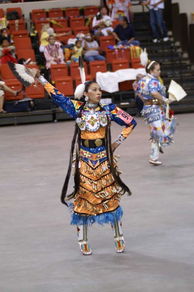 Pow Wow Photos – PowWows.com » » Jingle – 2006 Red Earth