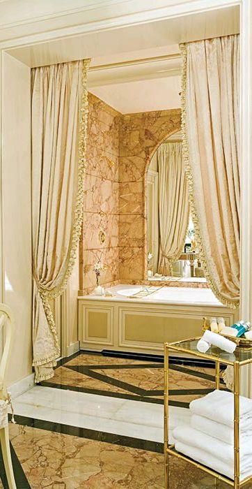 Paris h tel ritz style baroque int rieurs chambres for Paris hotel des bains