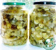 """""""Заготовка огурцов любого размера для рассольника"""": Огурец (любых размеров) — 3 кг Лук репчатый — 0.5 кг Масло растительное (беру всегда меньше) — 1 стак. Сахар — 1 стак. Соль — 0.5 стак. Чеснок — по вкусу Уксус (9%) — 150 мл Зелень (по желанию) — по вкусу"""
