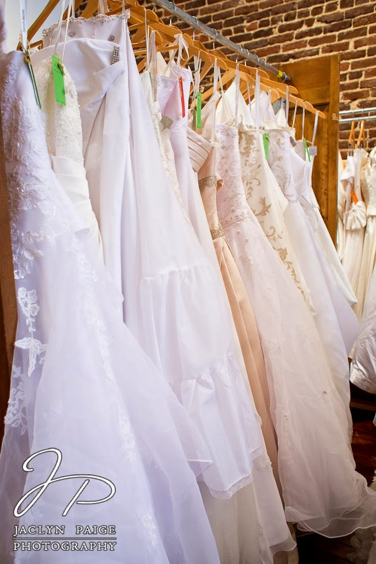 Wedding Wedding Dress Consignment 17 best images about knoxville wedding dresses at bootleg betty jaclyn paige photography consignment httpjaclynpaigephotography