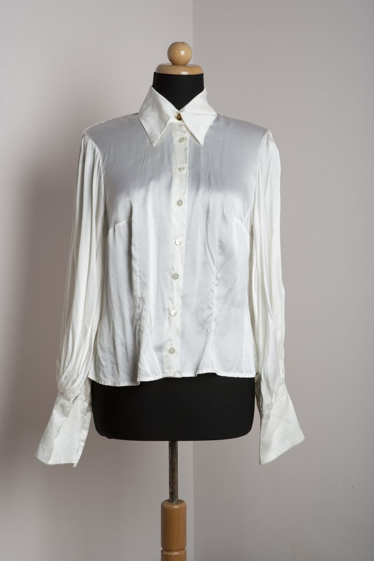 Silk shirt by THEIA Lab's student, Athina Mylona.