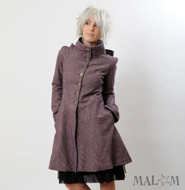 Camille Coat with Goblin Hood and tall collar small by Malam. So cute!Carreaux Violets, Camille Coats, Tall Collars, 330 00, Camile Coats, Goblin Hoods, Collars Small, 33000, Hoods Coats