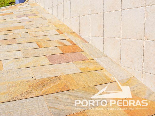 Revestimento do piso em Pedra São Tomé Amarela tipo exportação