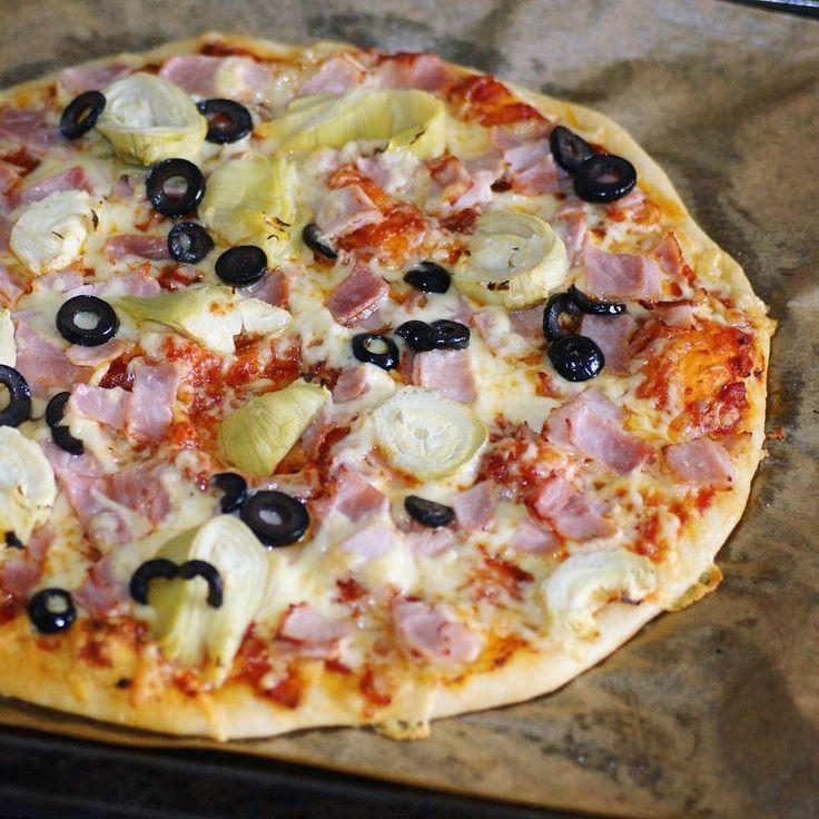 """Gefällt 146 Mal, 7 Kommentare - Marina (@marina1234ils) auf Instagram: """"Bon appetito!  Selbstgemachte Pizza mit Artischoken, Schinken und Oliven😋😋😋. #pizza #pizza🍕 #yummy…"""""""