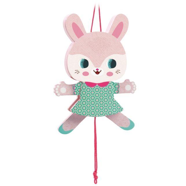 Jucarie mobila de agatat DJECO Lisa: Un iepuras de Paste care va dansa in manutele copilului :)