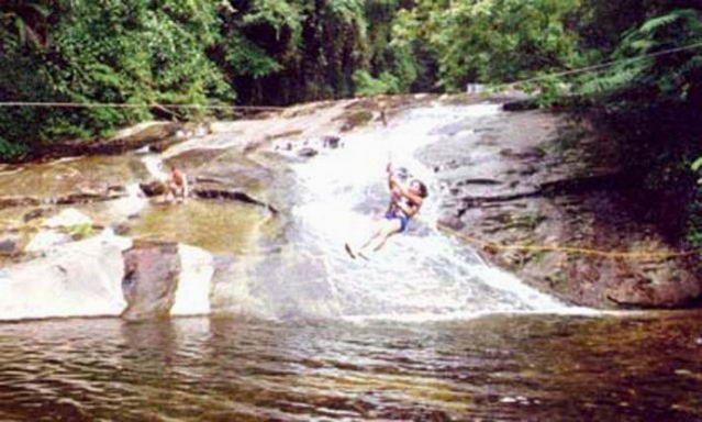 Foto de Pousada Das Cachoeiras em  Ubatuba/SP:  Tiroleza na cachoeira do tuiumbi