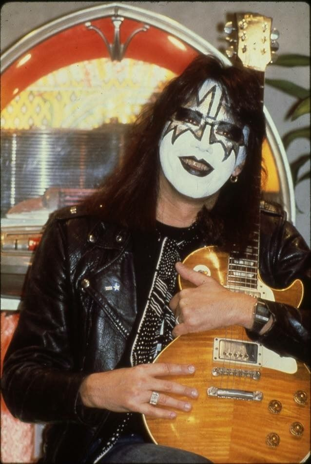 17 best images about ace frehley on pinterest smoking dressed to kill and smokers. Black Bedroom Furniture Sets. Home Design Ideas