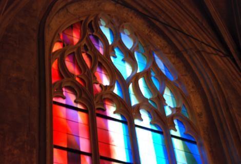 Eglise d'Harfleur Création vitraux contemporains Bernard Piffaretti Réalisation Ateliers Duchemin www.ateliersduchemin.com