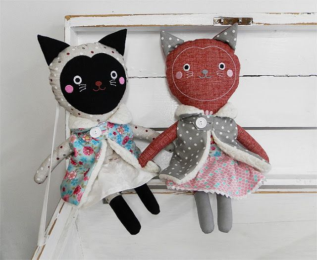 cat dolls / Břichopas toys