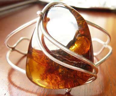 This amber ring is sooooo beautiful