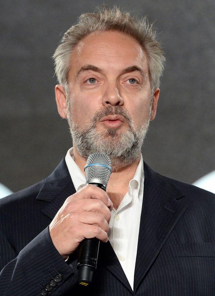 """Sam Mendes: Der Beste für Bond - James Bond-Regisseur Sam Mendes ist ein Mann, der klare Prinzipien hat. Nachdem der 49-jährige Brite bei """"Skyfall"""" Regie geführt hatte, wollte er """"Spectre"""" – die Dreharbeiten in Österreich beginnen heute in Altaussee – gar nicht mehr verantworten. Mehr zur Person: http://www.nachrichten.at/nachrichten/meinung/menschen/Sam-Mendes-Der-Beste-fuer-Bond;art111731,1591689 (Bild: APA)"""