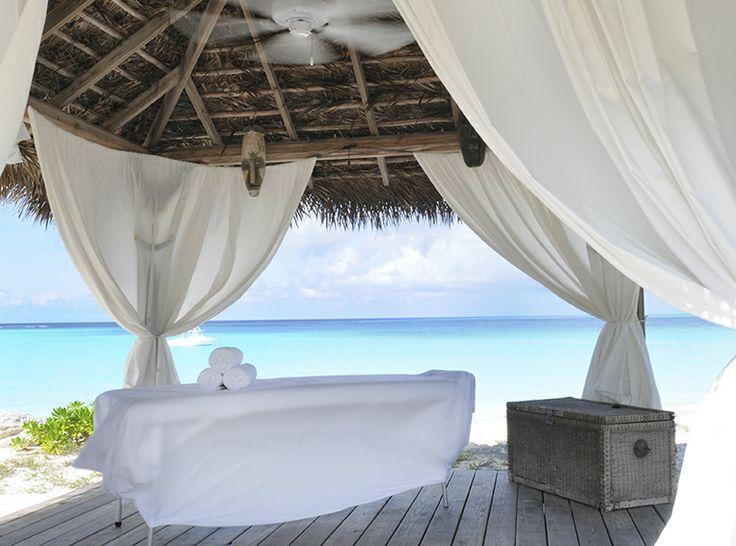 Palapa frente al mar en el Espacio Bienestar de Club Med Columbus Isle, Bahamas