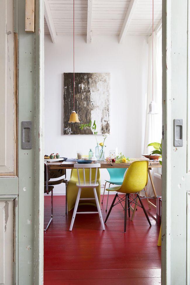 Colourful & rustic dining room #scandi #decor