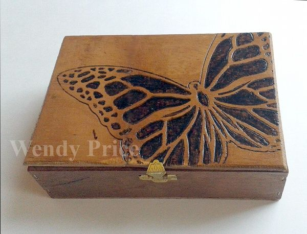 Wood burning using Dreamweavers Stencils    paper, ink and smiles: Core Cards Creative Frenzy (wendy price)