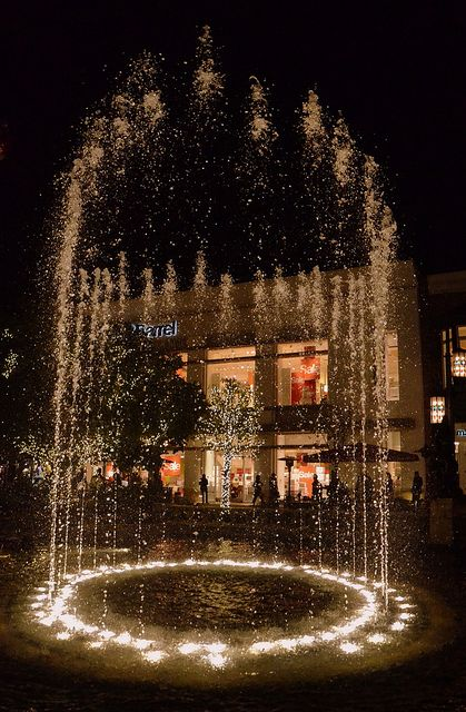 Fountain at the Grove Mall, Los Angeles