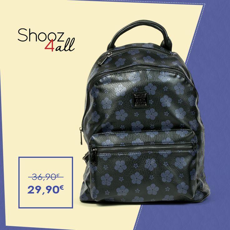 Μαύρη backpack με μπλε λεπτομέρειες http://www.shooz4all.com/el/gynaikeies-tsantes/mavri-backpack-me-mple-leptomereies-6250-1-detail #shooz4all #backpack