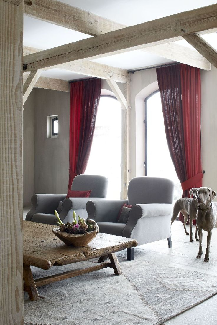 Rustic living with an edge with Vadain - Comfort Collection drapery panels: combination of 2 different fabrics! Paterned drapes fabric 'bond' color 6029, red drapes fabric 'Shelton'!