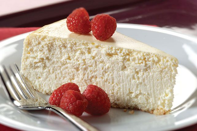 PHILADELPHIA® New York Style Carb Counter Cheesecake ~ There's not a graham cracker or cookie to be found in this creamy carb-counter cheesecake's crust. Find out the secret here!