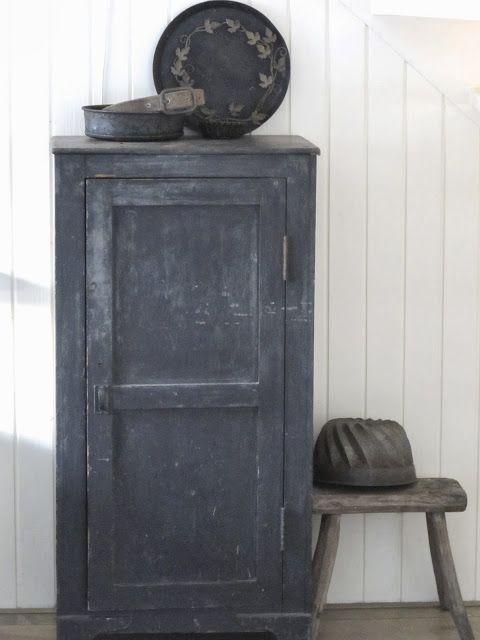 17 beste idee n over behang kasten op pinterest kraal bord kasten ladekast en kasten schilderen - Tegel credenza ...