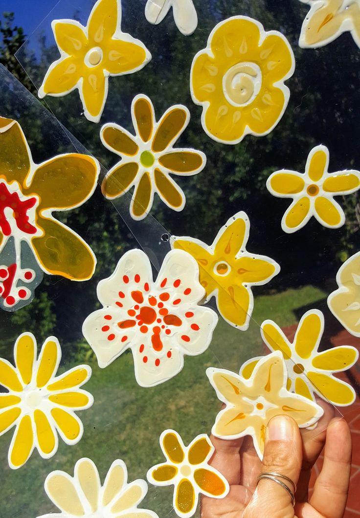 Tropical pattern Vetrofania realizzata con window colors  Associazione ColoriAmo Vivere di Colori