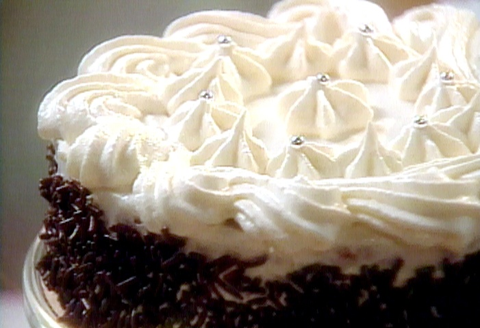 Quick Vanilla Buttercream Frosting from FoodNetwork.comFood Network, Chocolates Cake, Fun Recipe, Cake Frostings, Frostings Recipe, Buttercream Ice, Ice Recipe, Vanilla Buttercream, Buttercream Frostings
