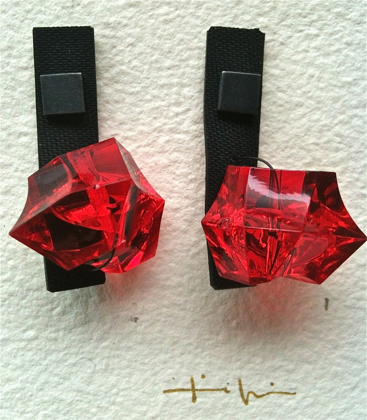 Kikis Alamo-art works- Earrings. Neopreno, silver, resin.