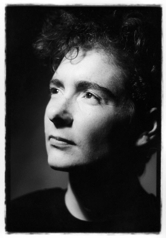 Jeanette Winterson | photographe by Jillian Edelstein | bromide fibre print, 1989-1990