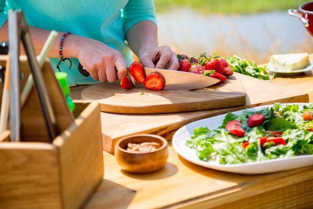 Baby Spinach, Strawberry & Avocado Salad